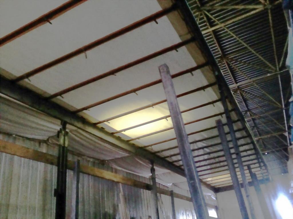 Изготовление и замена крыши на полуприцеп Koegel в Москве. Компания «Москватент»