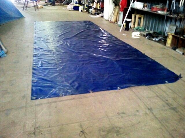 Изготовление сдвижной шторы ПВХ для тента грузового автомобиля «Газ-Валдай» в Москве на заказ. Компания «Москватент»
