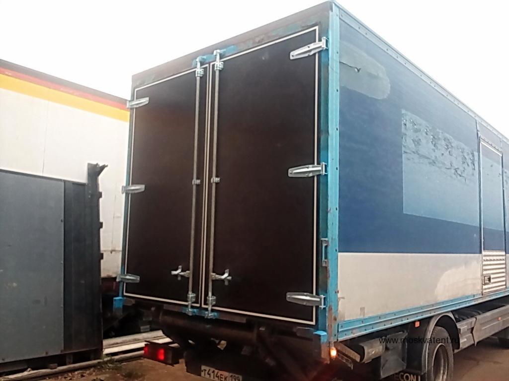 Задние распашные ворота на Mercedes Atego