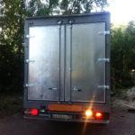 Ворота для грузовика с облицовкой металлом